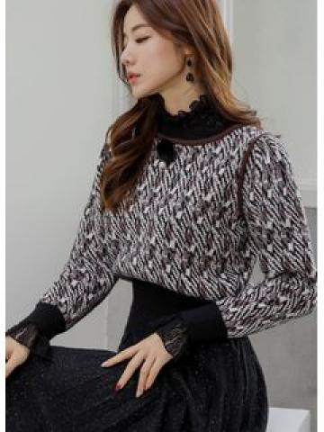 Puff-Shoulder Piped Patterned Knit Top